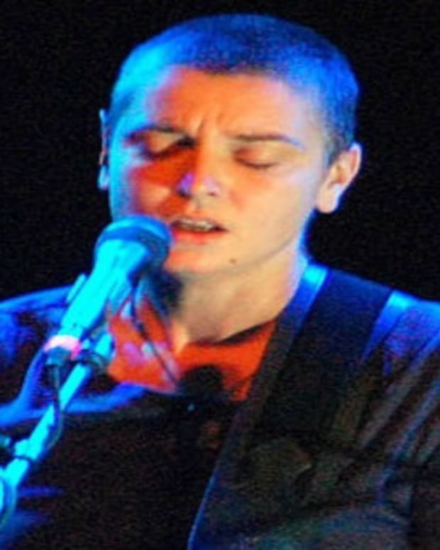 Sinead O'Connor Threatens To Jump Off Bridge Promo Image