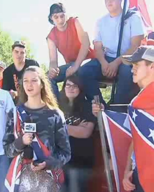 Students Confederate Flag