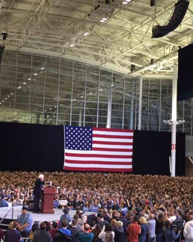 Bernie Sanders addressing crowd of more than 20,000 in Boston