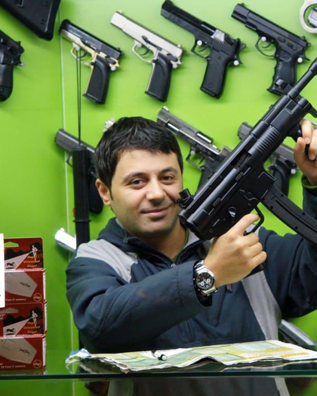 Missouri Bill Could Grant Gun Rights To Felons Promo Image