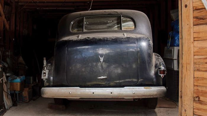 Pre-War Automobiles Worth $700K Found In Texas Barn Up For