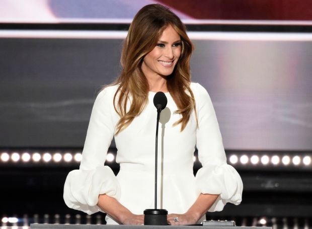 Twitter Notices That Melania Trump Towers Over Putin ...