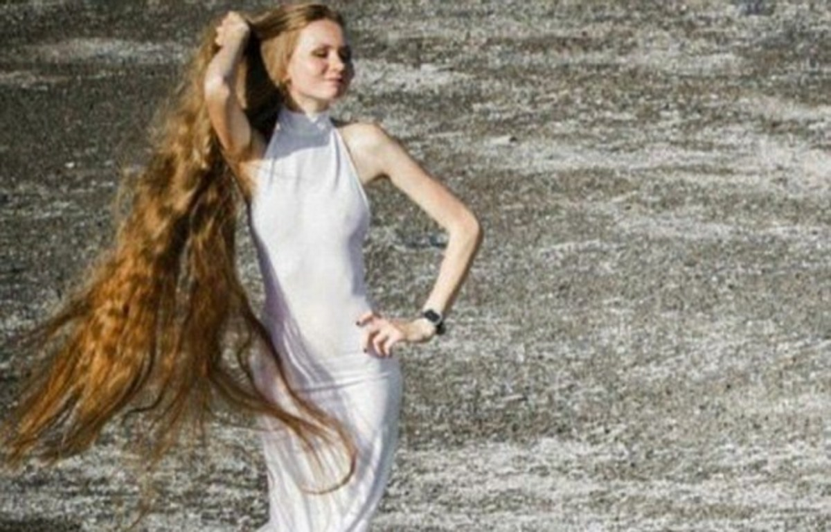 Real Life Rapunzel Hasn T Cut Hair In 13 Years Photos