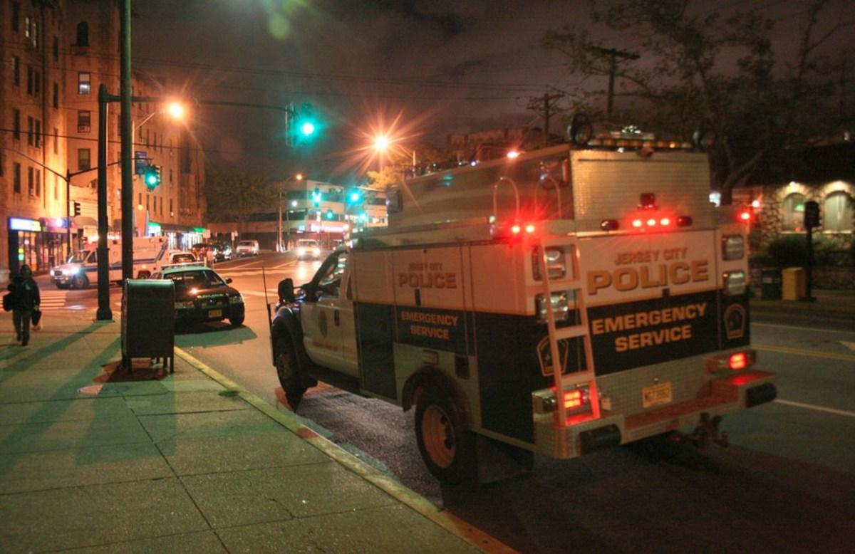 New Jersey Cops Kick Burning Victim Of Car Crash (Video) - Opposing
