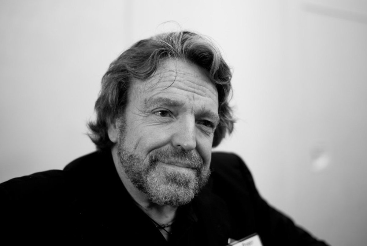 Grateful Dead Lyricist John Perry Barlow Dead At 70 Promo Image