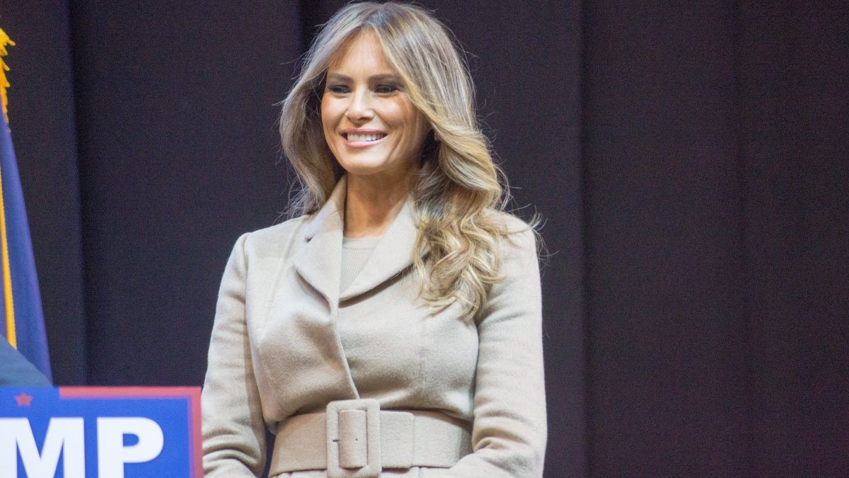 Melania Trump Wears High Heels To Harvey Site (Photos) Promo Image