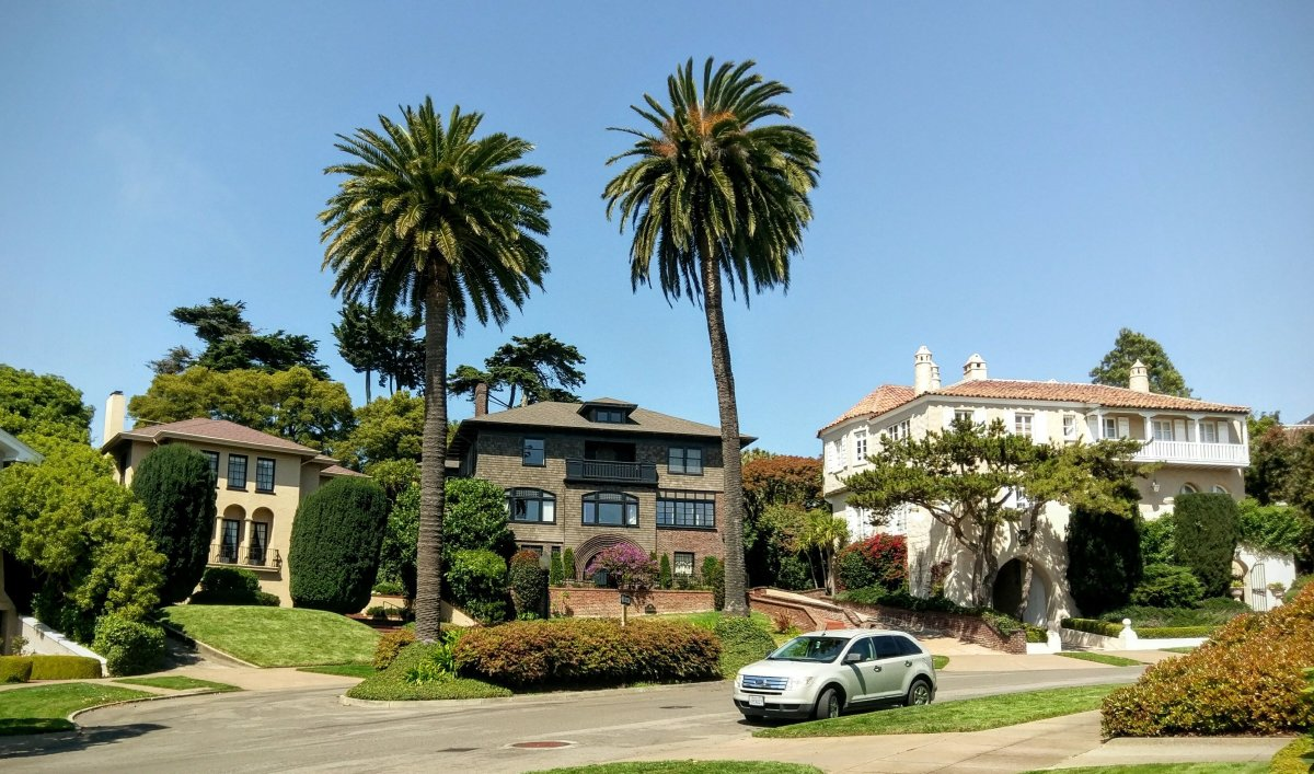 Couple Buys San Francisco Street For $90,000 (Photos) Promo Image
