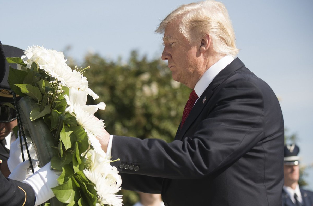 Trump Denies Making Insensitive Comments To Army Widow (Photo) Promo Image
