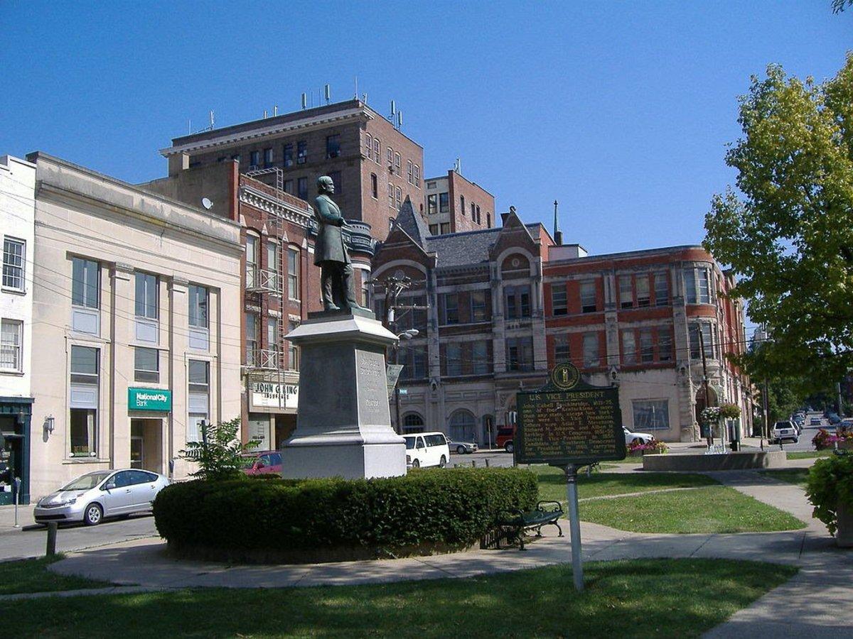 Lexington Removes Confederate Statues Promo Image