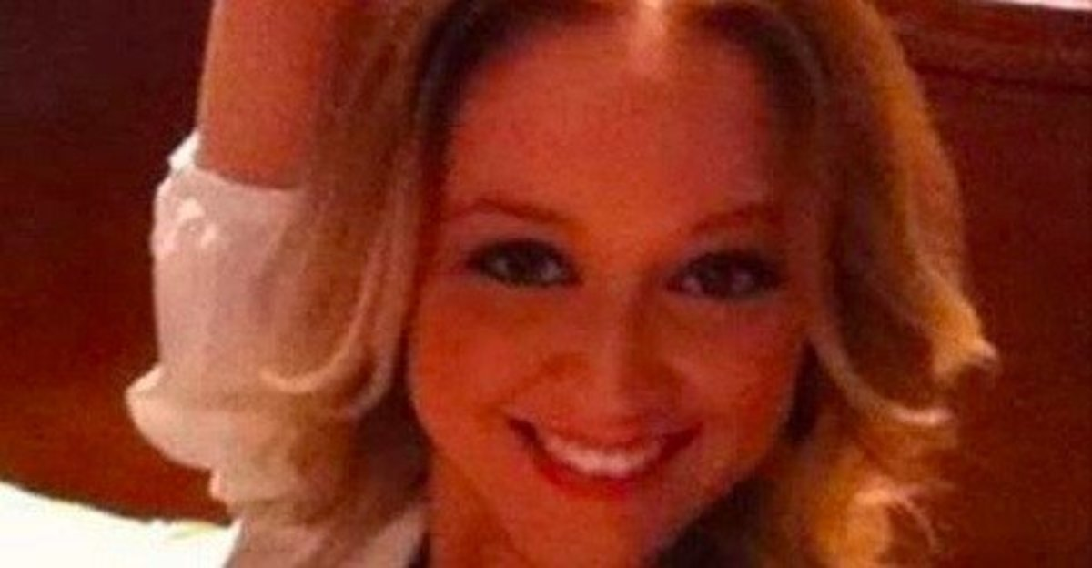 Teacher Who Had Threesome With Student Posts Shocking Selfie After Getting Off With Slap On Wrist Promo Image