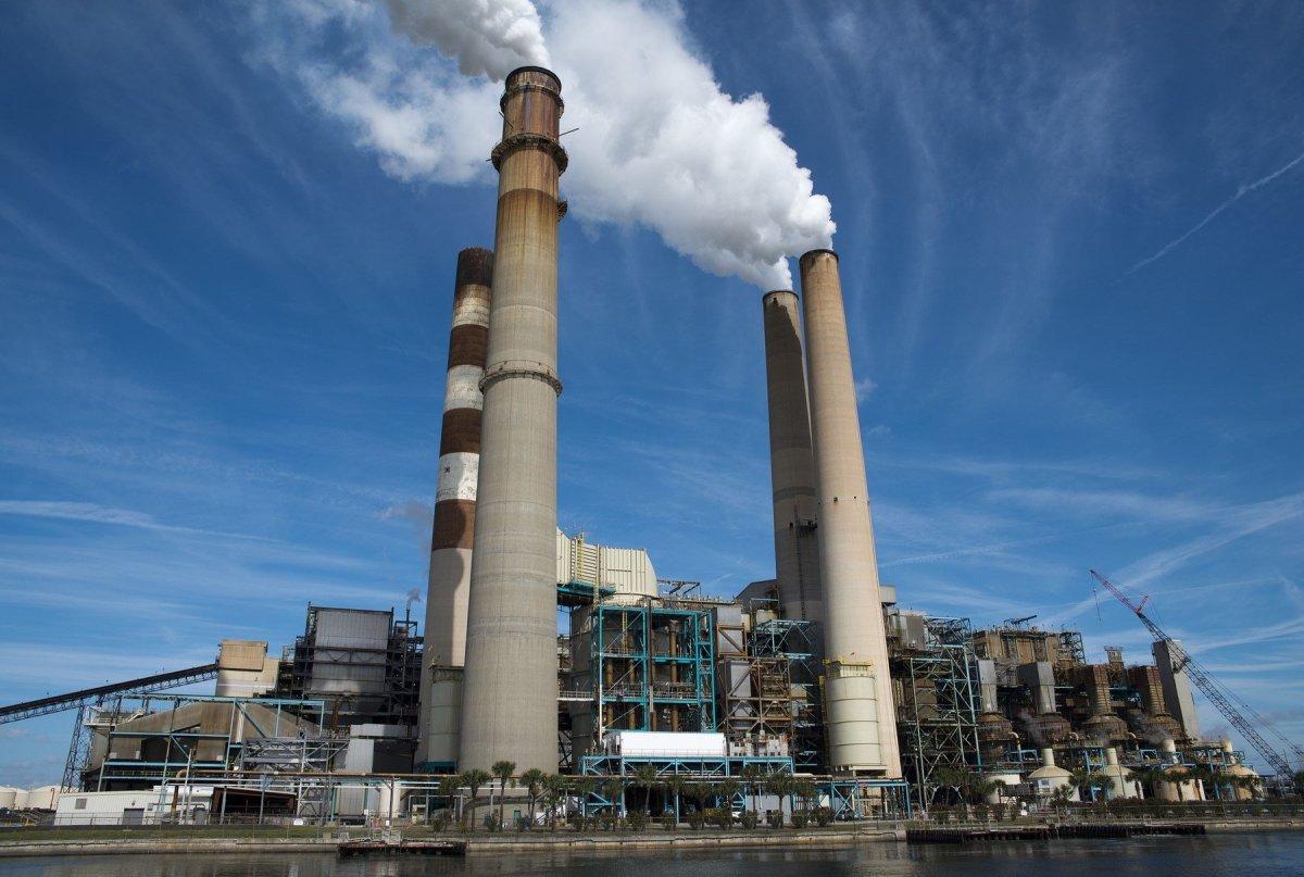EPA Grants Florida Pollution Waivers For Irma Repairs Promo Image