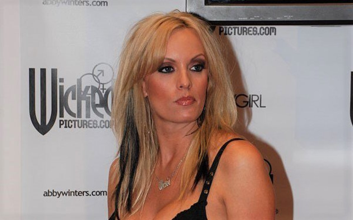 2011 Interview: Porn Star Said She Slept With Trump Promo Image