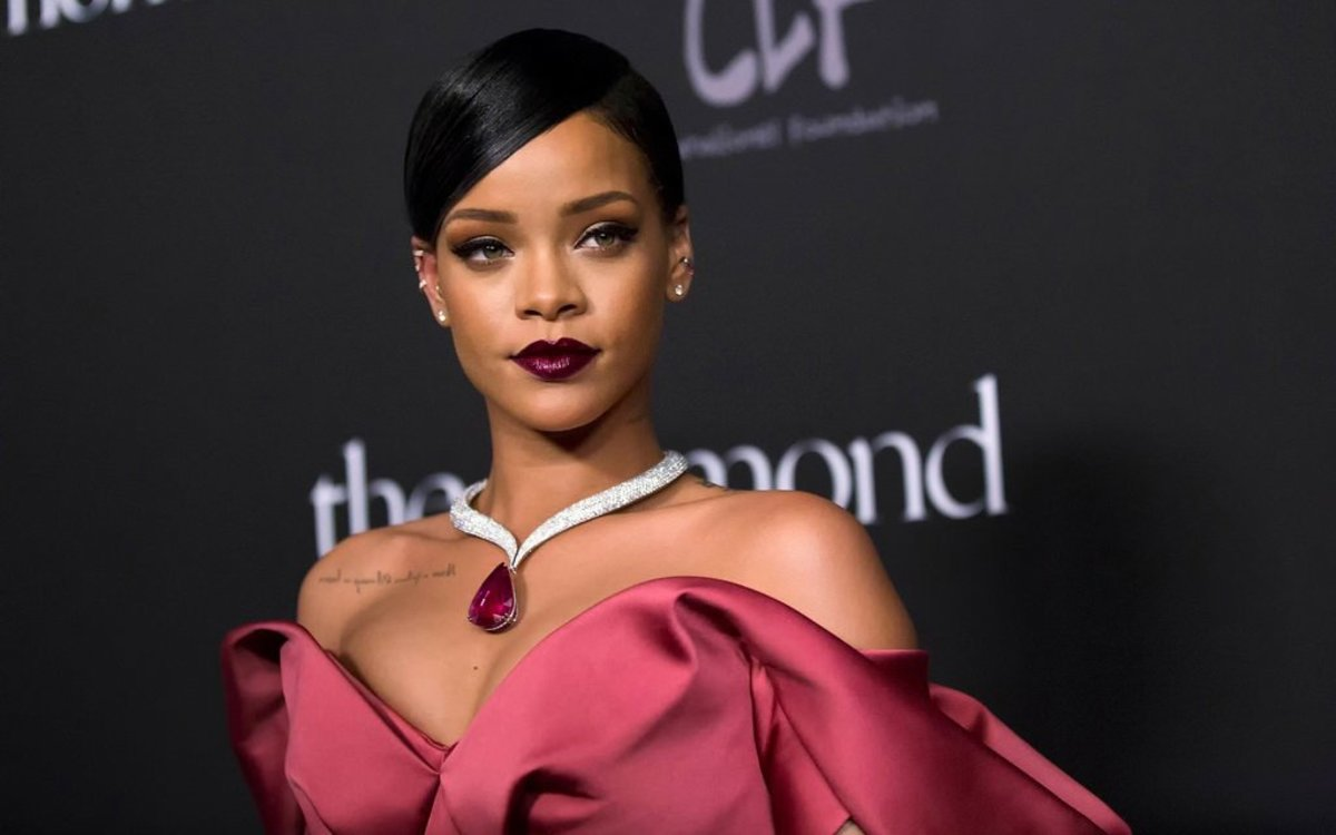 Rihanna's New Instagram Posts Go Viral (Photos) Promo Image