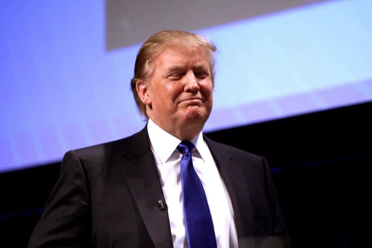 Trump Impeachment Petition Crosses 250,000 Signatures Promo Image