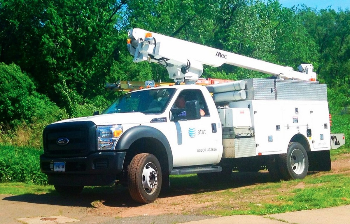Florida Man Shoots Up AT&T Utility Trucks (Video) Promo Image