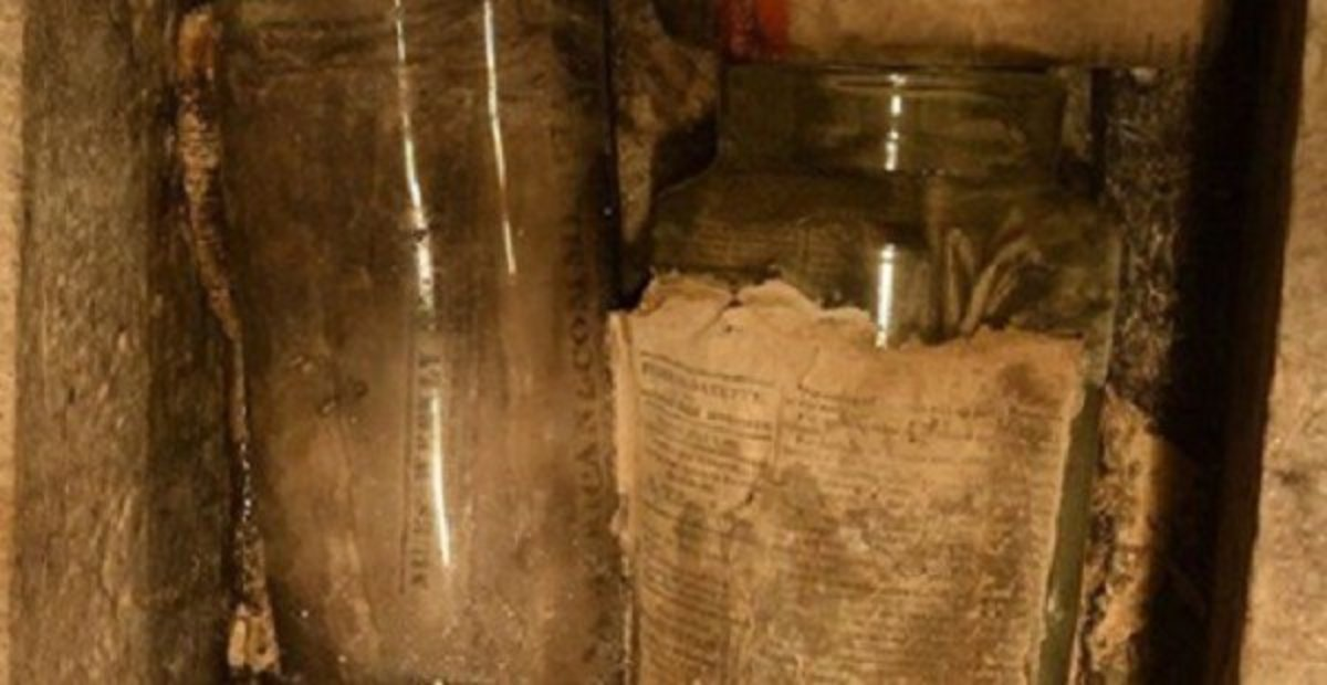 Construction Workers Stunned To Discover 200-Year-Old Time Capsule (Photos) Promo Image