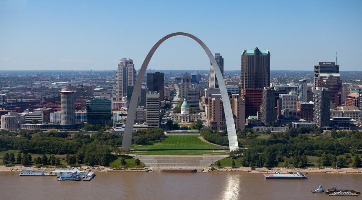 St. Louis Minimum Wage Will Fall From $10 To $7.70 Promo Image