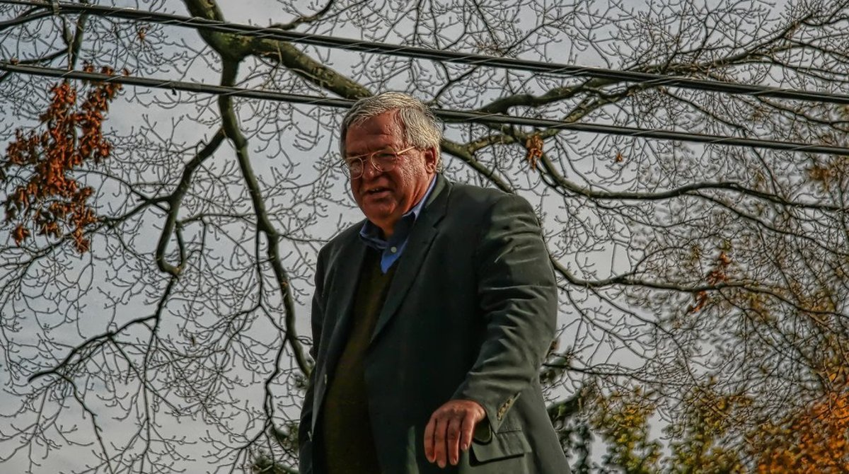 Dennis Hastert Barred From Being Alone With Children Promo Image