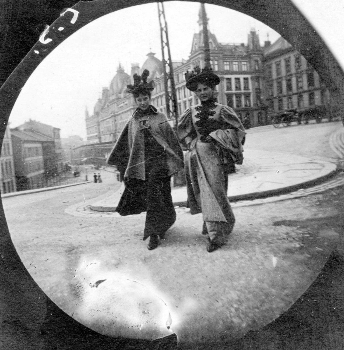 Spy Camera Pictures Of The 1890s Promo Image