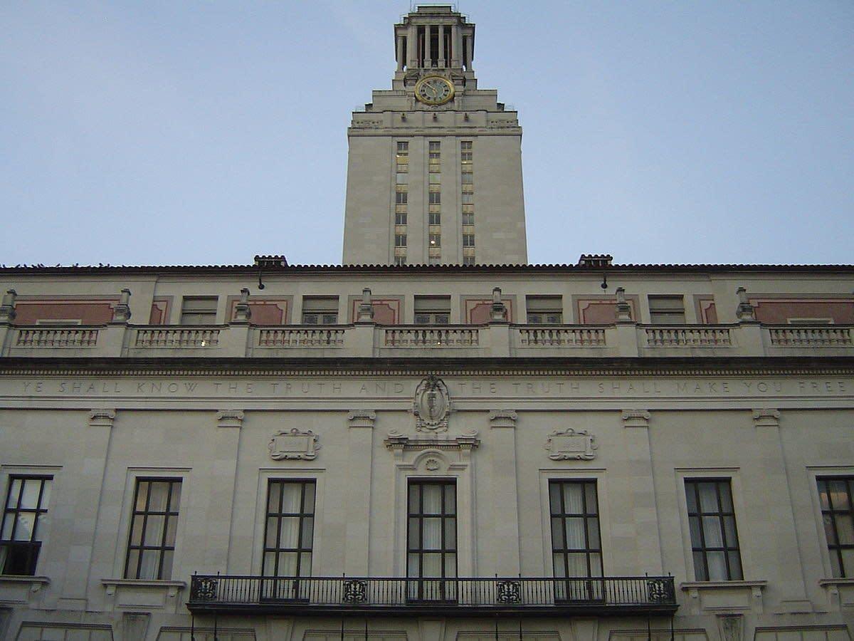 Texas University Removes Confederate Statue Overnight Promo Image