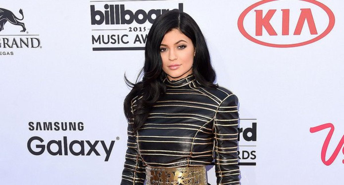Kylie Jenner Hints At Baby's Sex On Snapchat (Photo) Promo Image