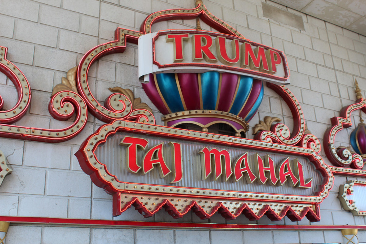 Man Showers In Trump Taj Mahal During Fire Sale (Photos) Promo Image