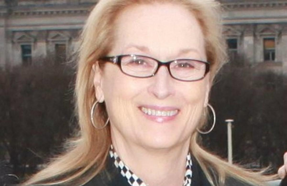 Meryl Streep Sparks Controversy With Obama Handbag  Promo Image