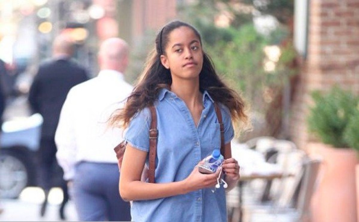 Malia Obama Sparks Controversy After People Look A Little Lower And See Something (Photos) Promo Image
