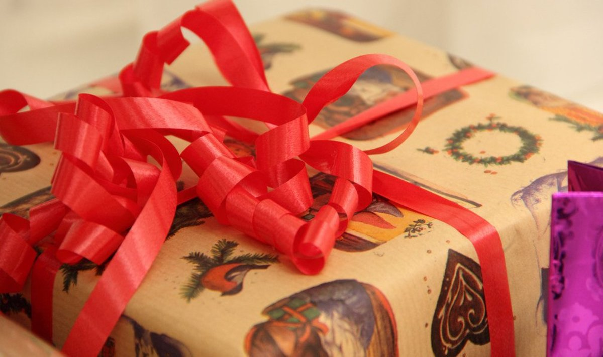 Chrissy Teigen's Dad's Surprising Gift To John Legend (Photo) Promo Image