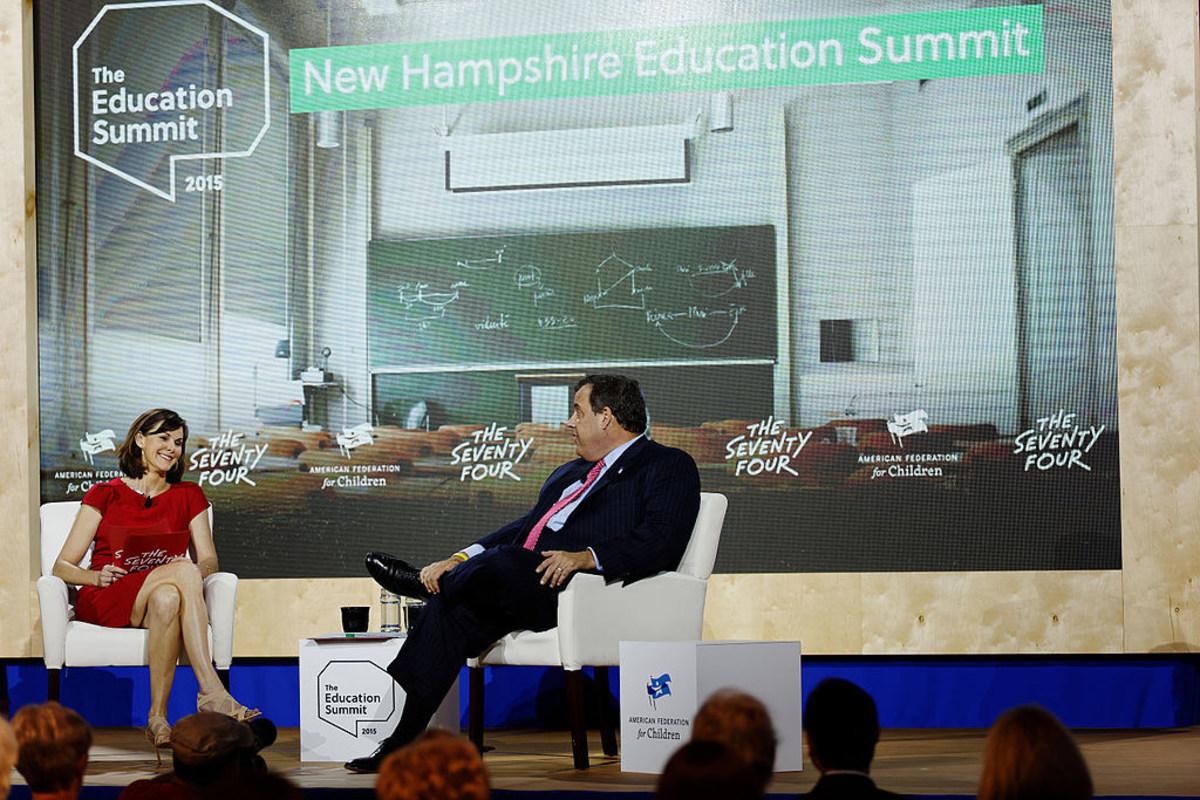 Chris Christie Calls Hillary Clinton A 'Criminal' Promo Image