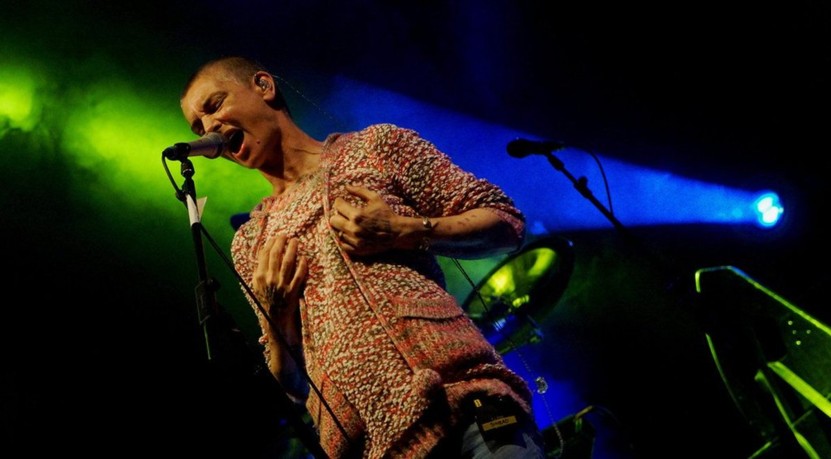 Sinead O'Connor's Friend Confirms She Is Not Suicidal (Video) Promo Image