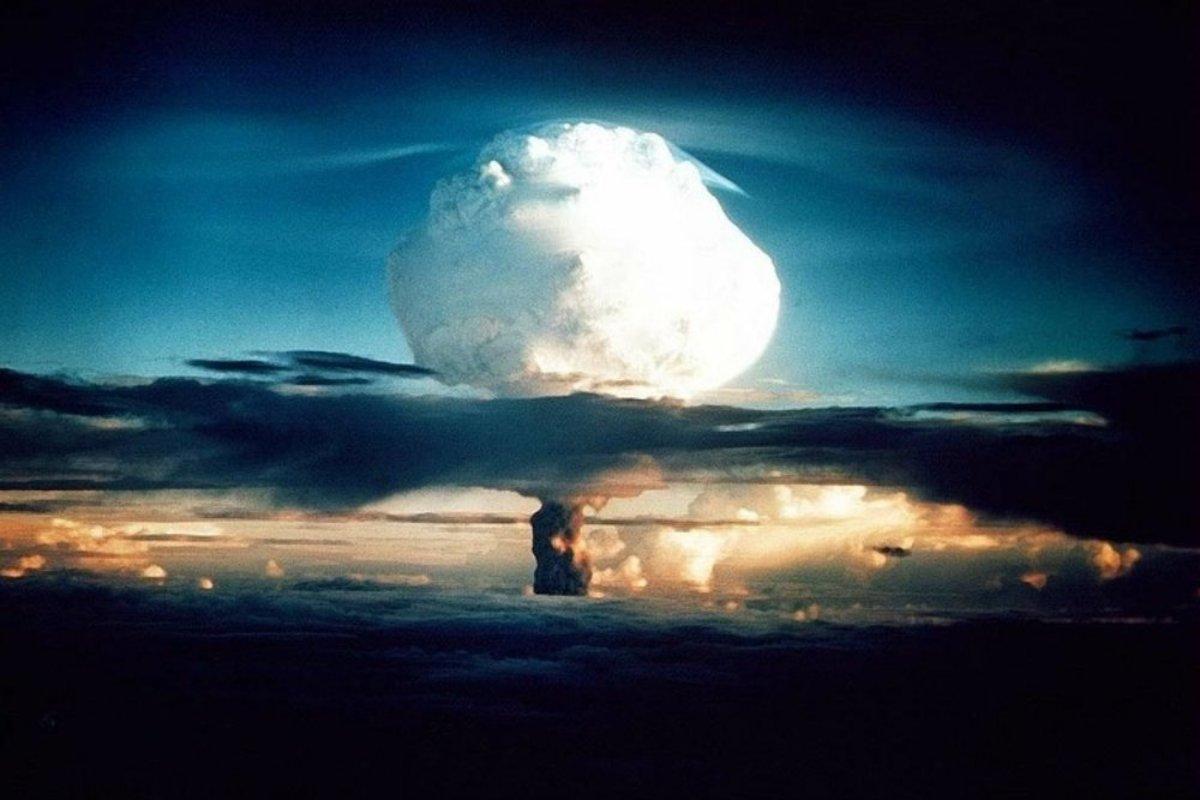 McCain Slams Trump's Threat To North Korea (Photos) Promo Image