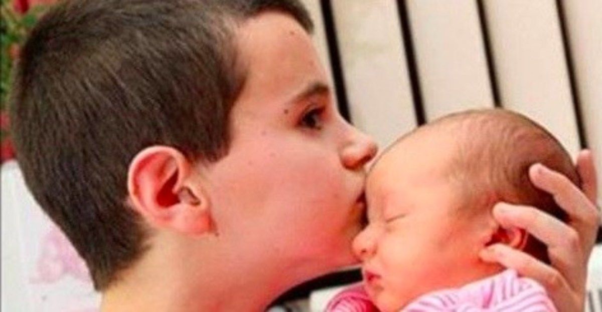 Teen Boy Thought To Be Youngest Dad Gets Some Horrible News Promo Image