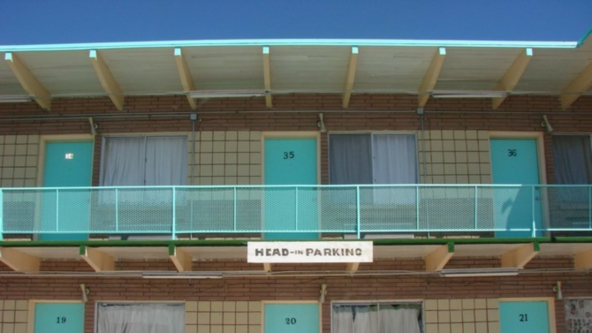 Police Run Out Of Motel In Tears After Finding 3 Women's Sick Use For Sheets Promo Image