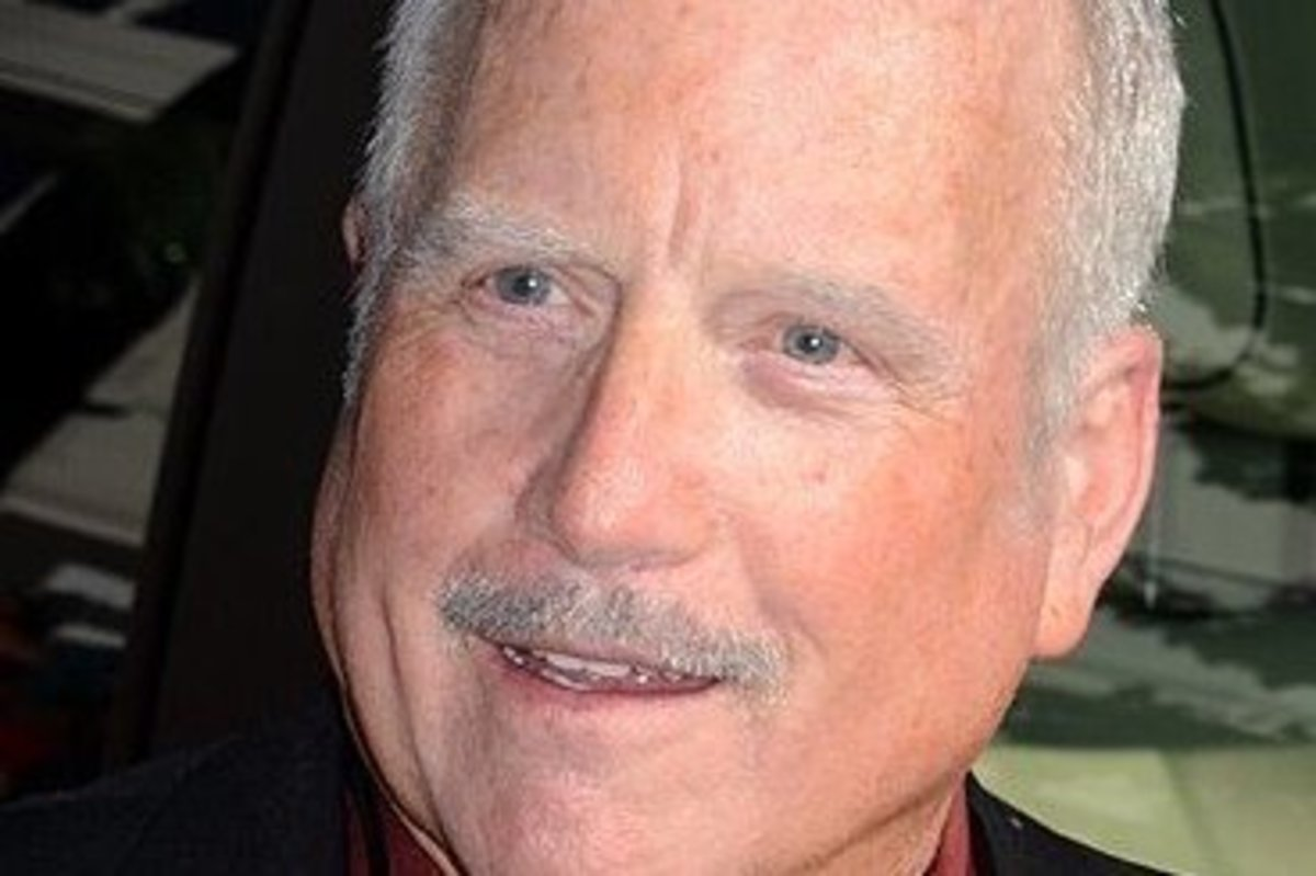 Actor Richard Dreyfuss Caught Groping Women (Photos) Promo Image