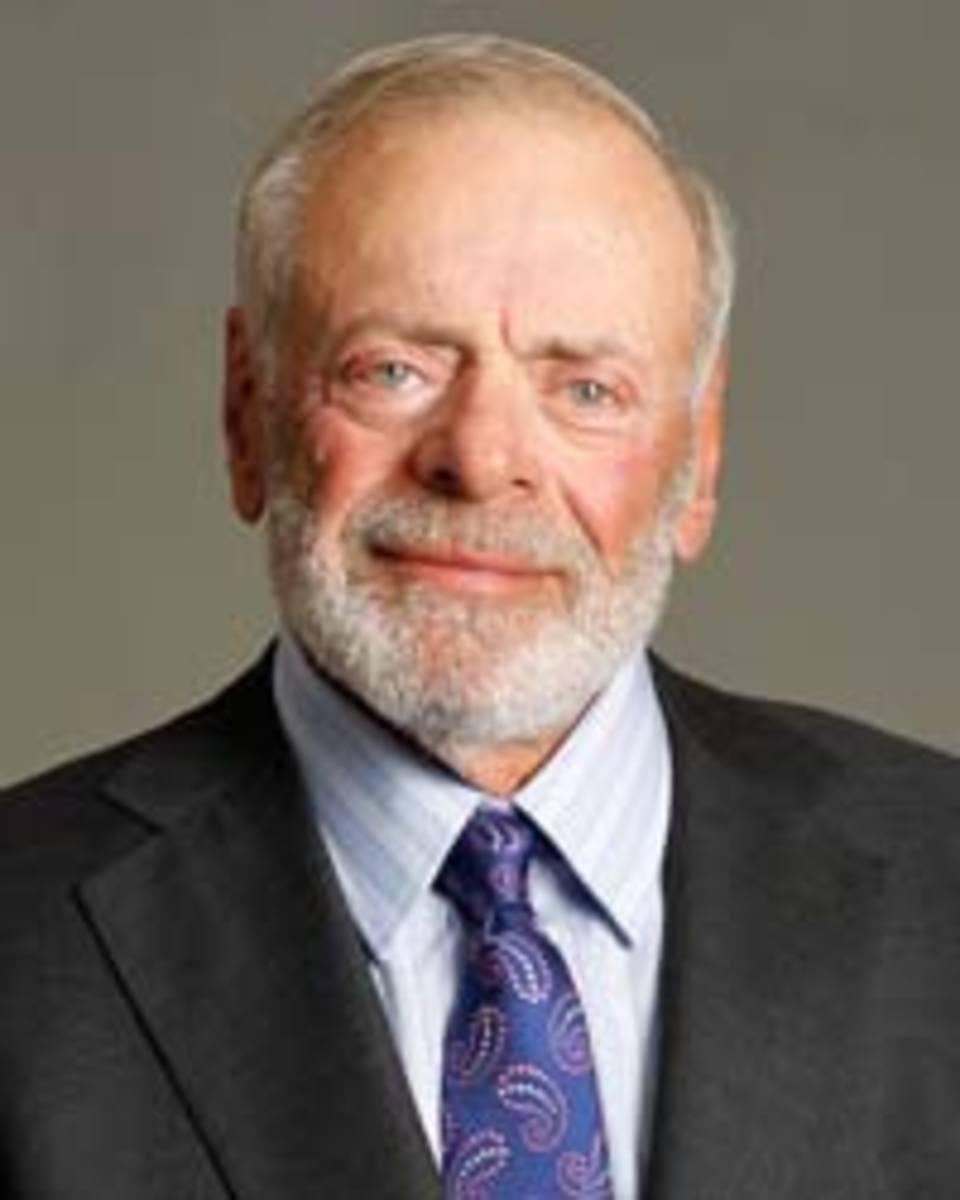 Ex American Express Ceo Harvey Golub Says Corporations