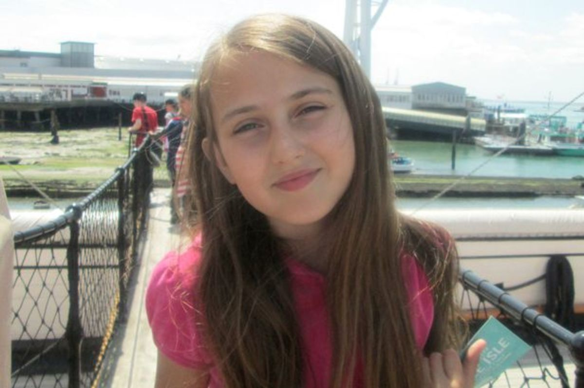 11-Year-Old Girl Banned from Class Trip for Eating ...