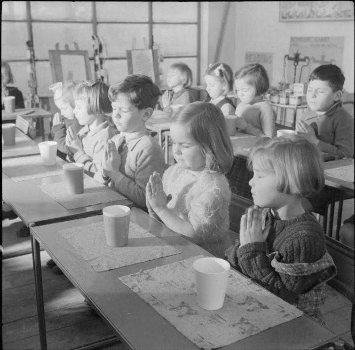 praying in school - HD1200×1185