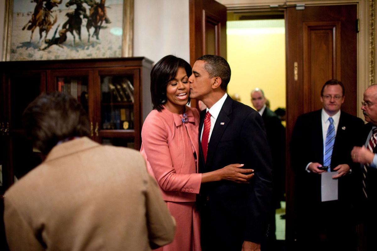Barack And Michelle Obama Portraits Revealed (Photos) Promo Image