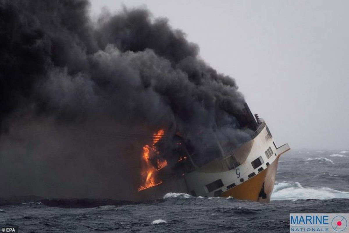 sinking-ship-2-768x512