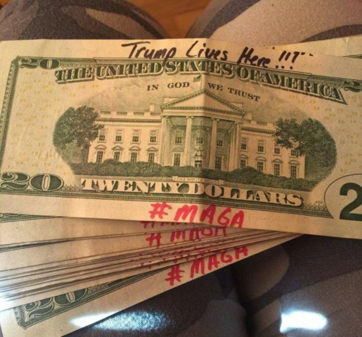 trump-supporter-money-feat-538x500