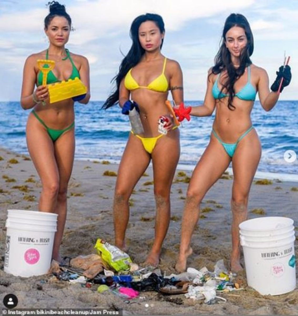 bikini-beach-cleanup-1-472x500